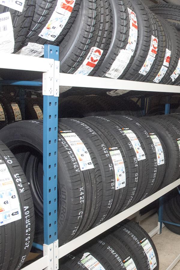 Garage Pierson Chevy Tyre